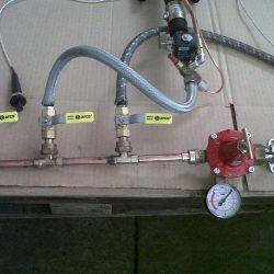 Exemple de connexió de tres cremadors